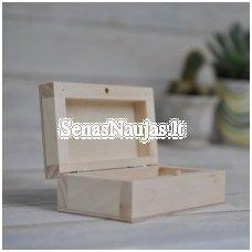 Medinė nedidelė dėžutė