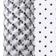 Balto su juodais taškeliais tiulio juosta