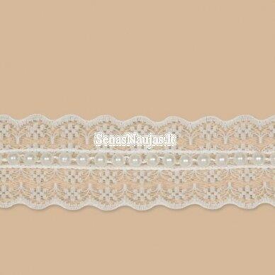 Baltos spalvos nėriniai su karoliukais 2