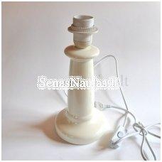 Keramikinis pagrindas šviestuvui