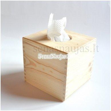 Kvadratinė dėžutė servetėlėms