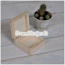 Maža medinė dėžutė