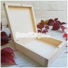 Medinė dėžutė be užsegimo