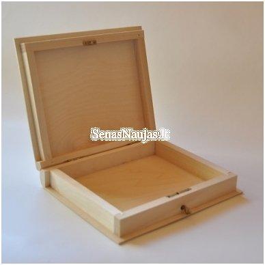 Medinė dėžutė knyga su užraktu 2