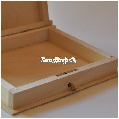 Medinė dėžutė knyga su užraktu 3
