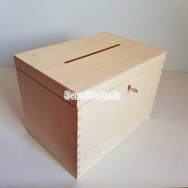 Medinė dėžutė vokams, atvirukams