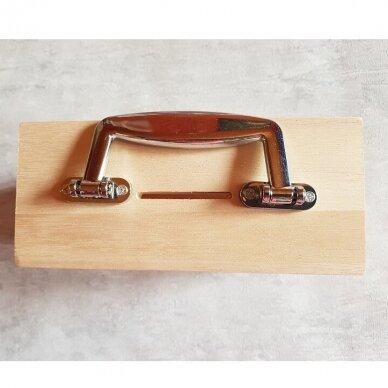 Medinė taupyklė-lagaminas su langeliu 2