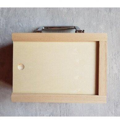Medinė taupyklė-lagaminas su langeliu 3