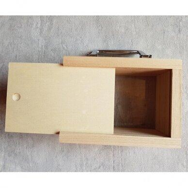 Medinė taupyklė-lagaminas su langeliu 4