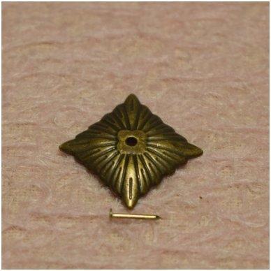 Metalinė detalė, su vinuku