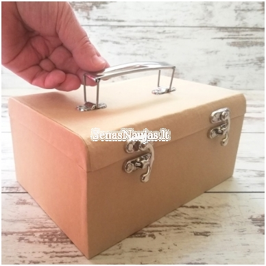 Nedidelis lagaminas iš perdirbto popieriaus 4