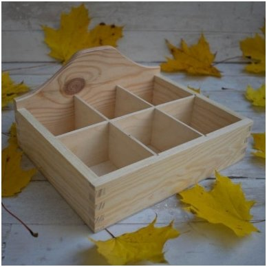 Šešių skyriukų dėžutė, arbatinė 2
